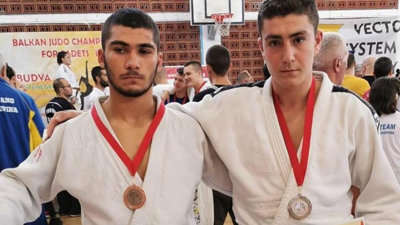 Τρία μετάλλια η Ελλάδα στο Βαλκανικό εφήβων/νεανίδων, η ελληνική αποστολή για το Παγκόσμιο
